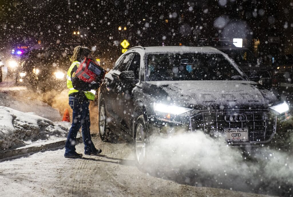 Detective Danielle Madril put the heater into a vehicle outside the Aspen Police Station on Monday, December 28, 2020.  (Kelsey Brunner / The Aspen Times)