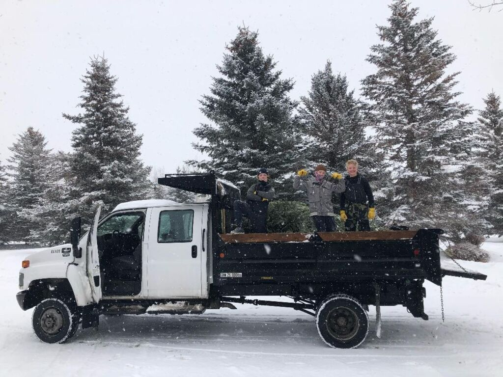Parkites can support Park City Lacrosse by participating in Christmas tree pickup