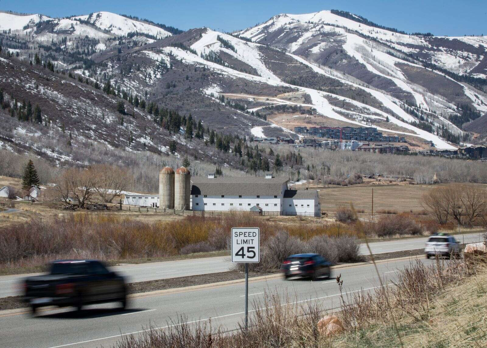 Park City police told of speeding driver swerving, using center lane to pass