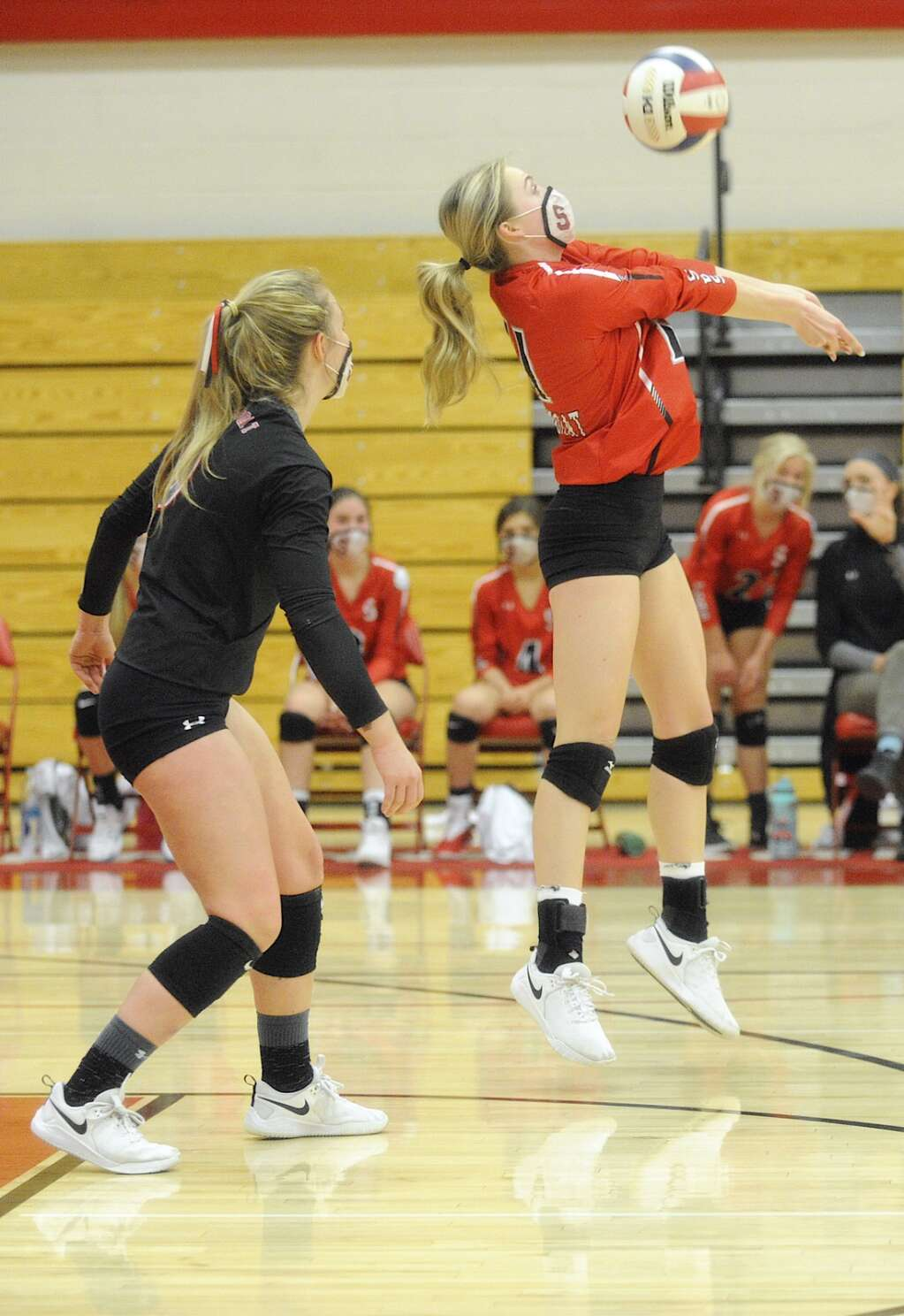 Steamboat Springs junior Sophie Diehl recieves a serve during a game against No. 1 Palisade on Saturday. (Photo by Shelby Reardon)