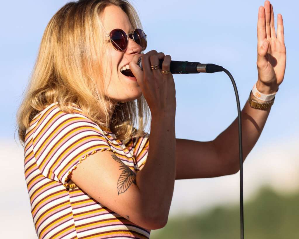 Singer Piper Browne of Miss Mojo, a funk band from New Orleans, performs a free concert on Sunday, July 4, 2021, on Fanny Hill in Snowmass Village.   Austin Colbert/The Snowmass Sun