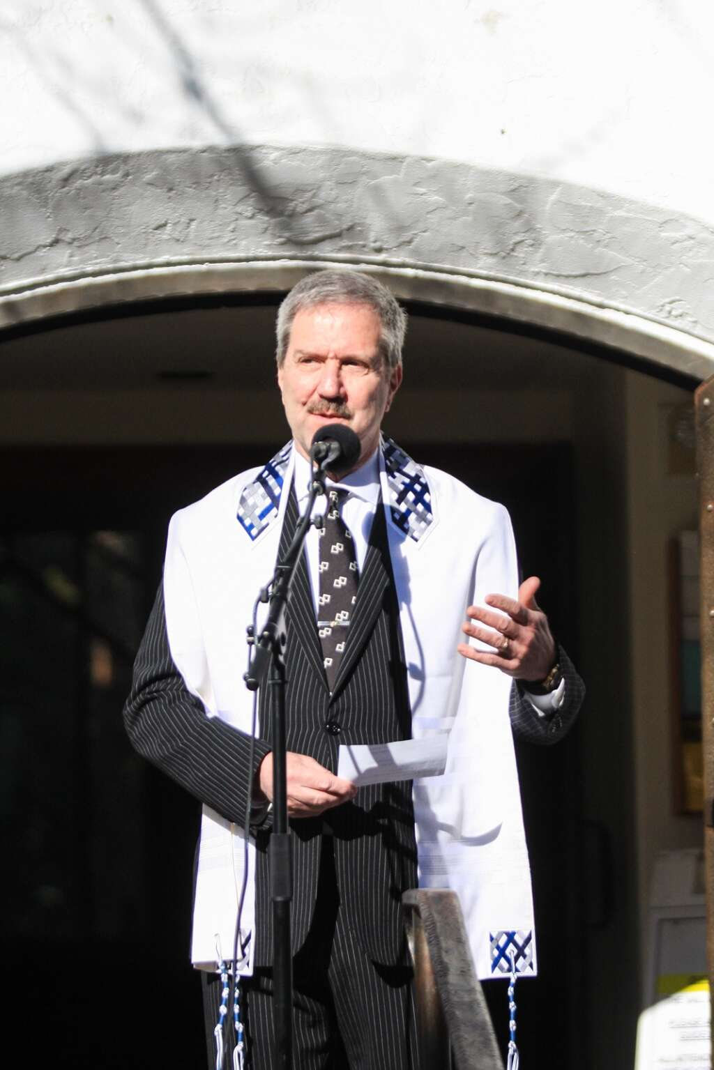 Rabbi Joel Newman explains how the Vail Chapel serves the community at Monday's groundbreaking ceremony. The chapel is used by six different congregations.