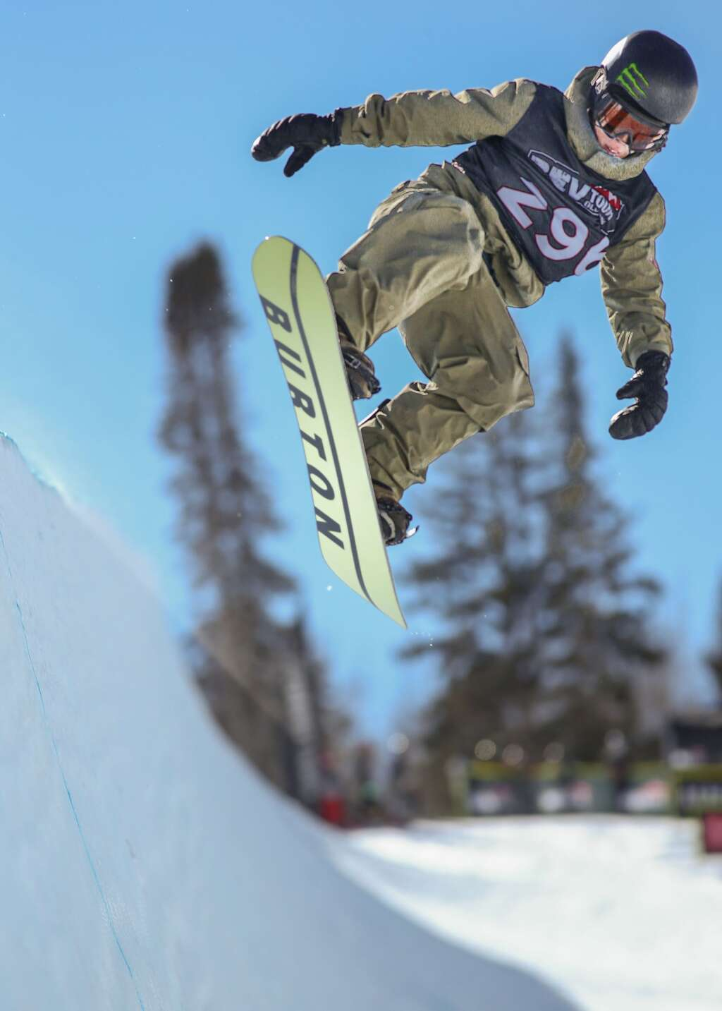 Japan's Ayumu Hirano competes in the men's snowboard halfpipe contest at the U.S. Revolution Tour stop on Thursday, Feb. 25, 2021, at Buttermilk Ski Area. Photo by Austin Colbert/The Aspen Times.