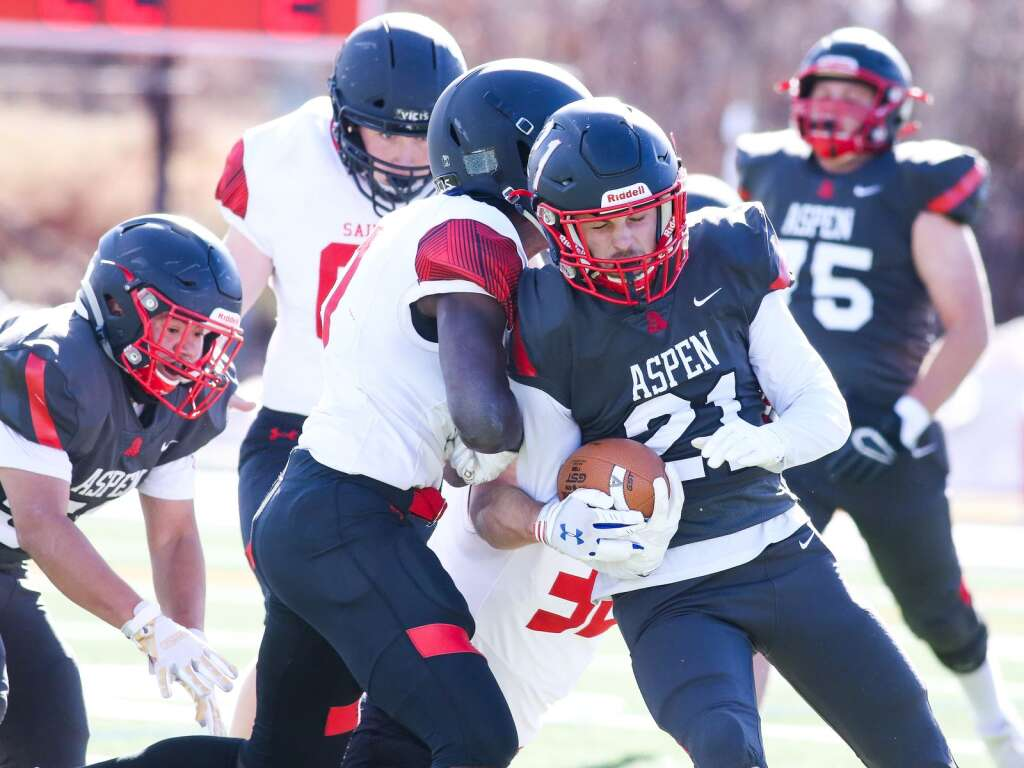 Aspen High School's Noah Akin carries the ball against Steamboat Springs on Saturday, April 10, 2021, on the AHS turf. The Skiers won, 22-7. Photo by Austin Colbert/The Aspen Times.