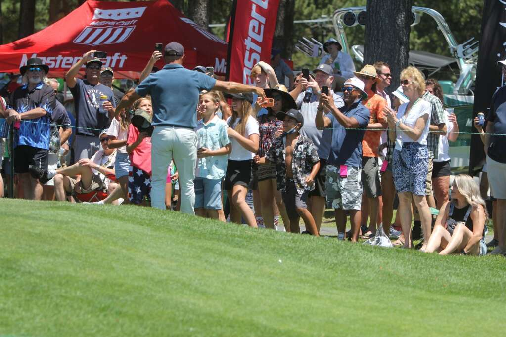 Kelly Slater couldn't say no to a group of children who wanted a picture with him.