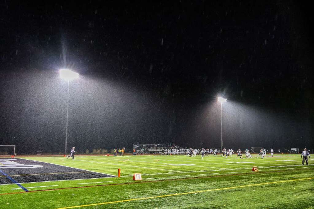 Rain falls as the Aspen High School football team hosts Delta for homecoming on Friday, Oct. 8, 2021, on the AHS turf. Photo by Austin Colbert/The Aspen Times.