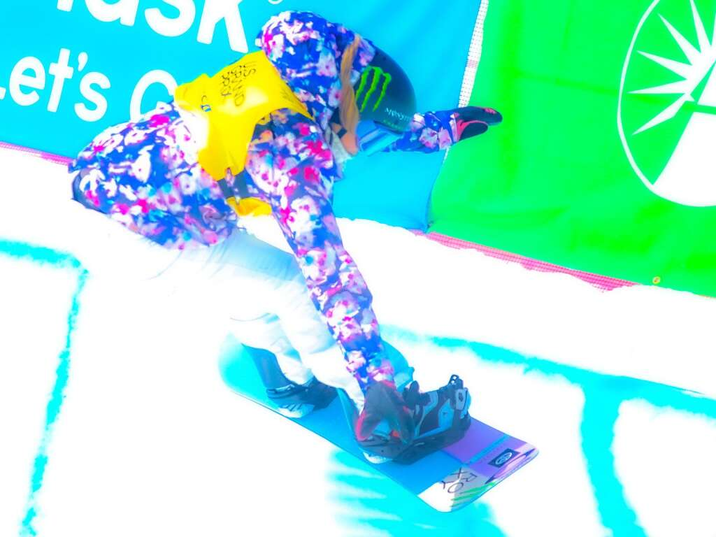 Chloe Kim competes in the women's snowboard halfpipe final of the U.S. Grand Prix and World Cup on Sunday, March 21, 2021, at Buttermilk Ski Area in Aspen, Colo. Photo by Austin Colbert/The Aspen Times.