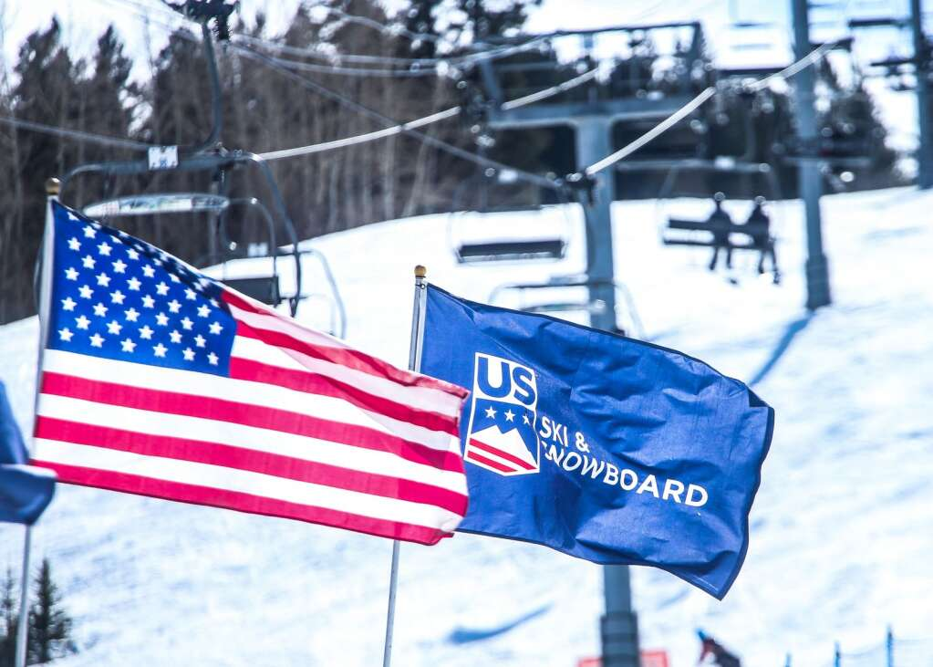 Skiers and snowboarders take the lift up the mountain during the men's snowboard slopestyle finals at the U.S. Grand Prix and World Cup on Saturday, March 20, 2021, at Buttermilk Ski Area in Aspen. Photo by Austin Colbert/The Aspen Times.