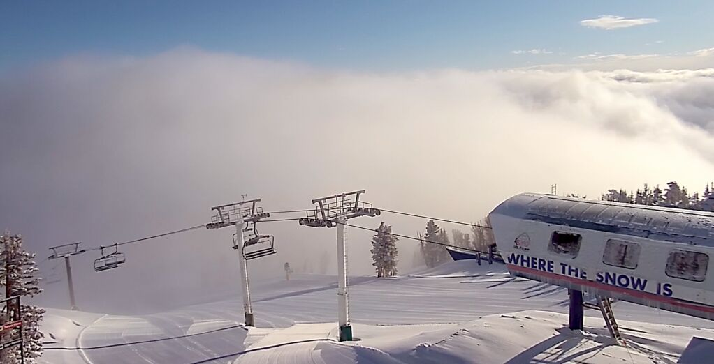 Tahoe resorts receive several inches of snow; Mt. Rose gets a foot