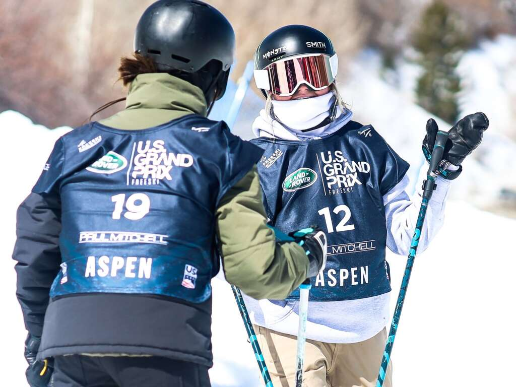 Winter Park's Svea Irving, right, chats with Great Britain's Constance Brogden during  the women's freeski halfpipe qualifier of the Land Rover U.S. Grand Prix and World Cup on Friday, March 19, 2021, at Buttermilk Ski Area in Aspen. Photo by Austin Colbert/The Aspen Times.