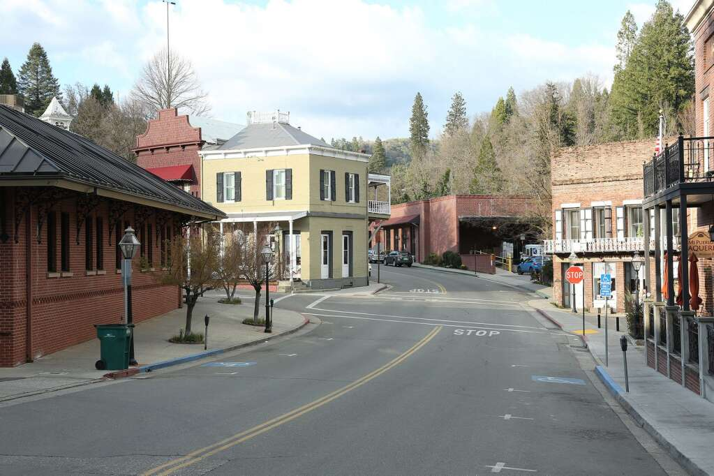 Downtown Nevada City was devoid of much traffic aside from the post office at the base of Coyote Street during an otherwise beautiful day in the Sierra Nevada Mar. 21. | Photo: Elias Funez