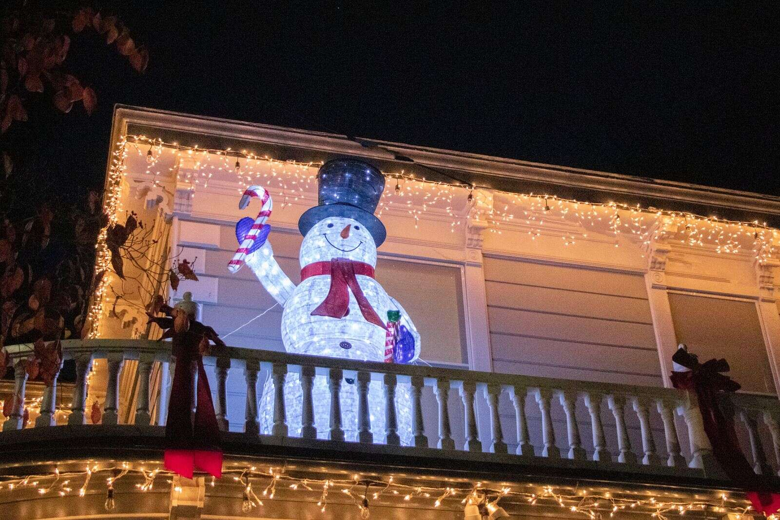 The top of Broad Street was amazing - especially the snowman at Broad Street Inn! | Submitted by Sandra Boyd