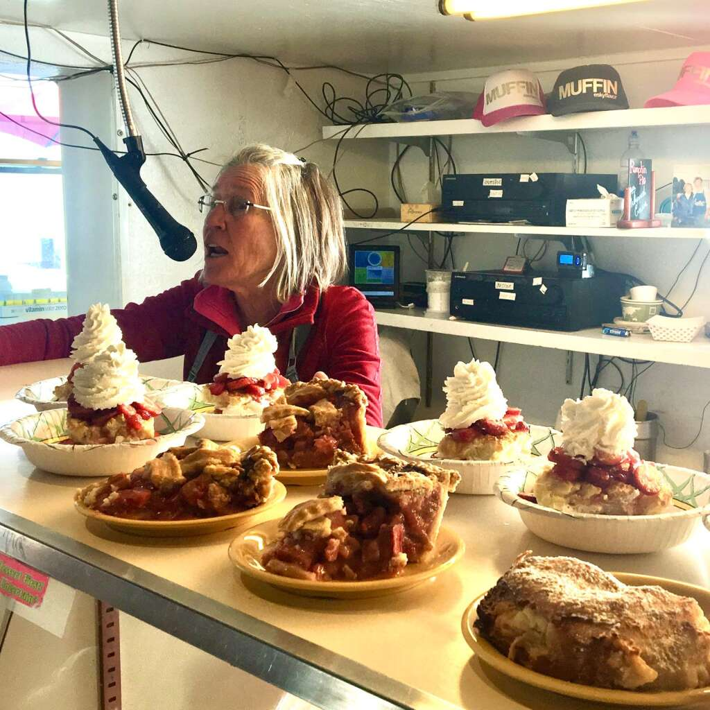 Muffin Dole broadcasts orders at Bonnie's on Aspen Mountain in March 2017. (Amanda Rae)