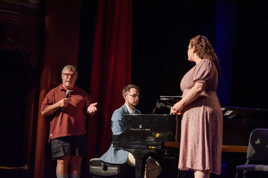 Edward Berkeley with students this month at a master class in the Wheeler Opera House. (Carlin Ma/Aspen Music Festival)