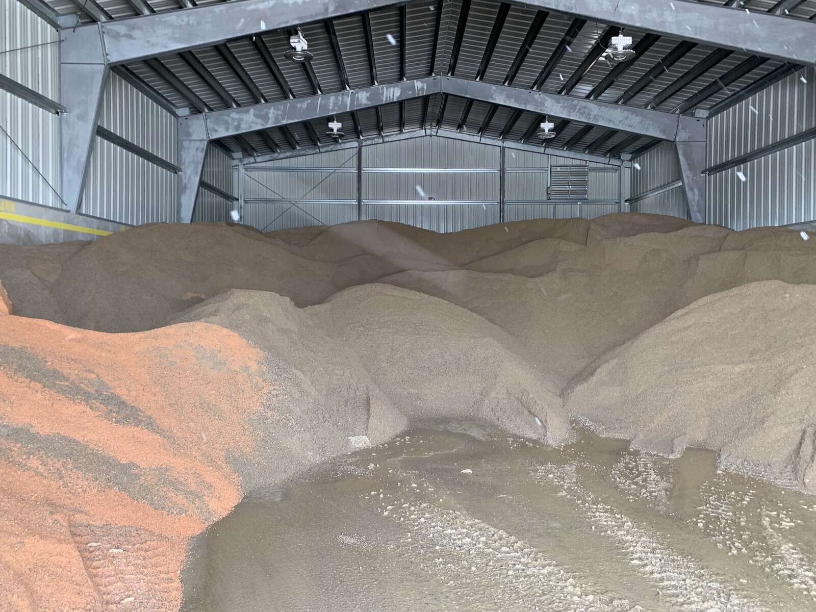 CDOT can store about 1,200 tons of sand at it's Silverthorne maintenance barn. | Sawyer D'Argonne / sdargonne@summitdaily.com