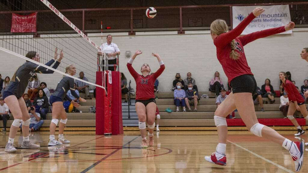 Park City High School senior Emily Jenkins (33) sets the ball during the Miners' matchup against Skyline Tuesday evening, Sept. 21, 2021. The Miners were swept 3-0 by the Eagles. (Tanzi Propst/Park Record)