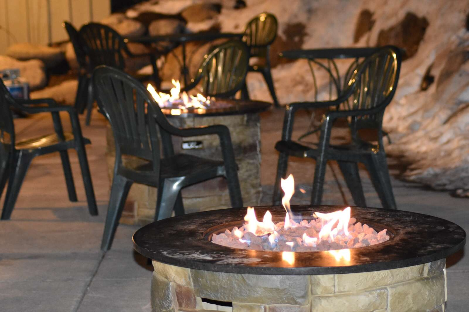 Dillon Dam Brewery has set up fire pits on its patio to serve as a waiting area for customers, as pictured Wednesday, Nov. 18. | Photo by Taylor Sienkiewicz / tsienkiewicz@summitdaily.com