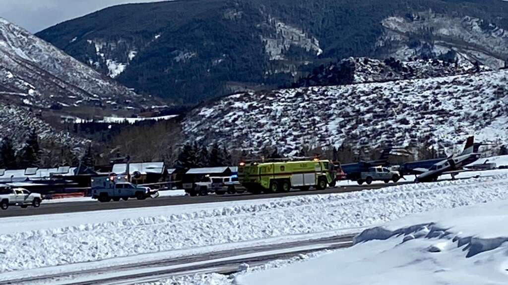 An aircraft accident at the Aspen/Pitkin County Airport on Feb. 28, 2021. | David Krause/The Aspen Times