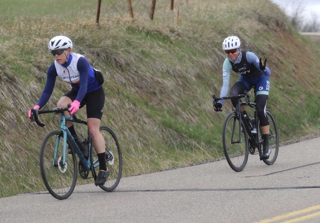 Leah Emaus and Ingrid Smallman compete in the women's pro race during the 2021 Steamboat Roubaix on Saturday, May 8. (Photo by Shelby Reardon)