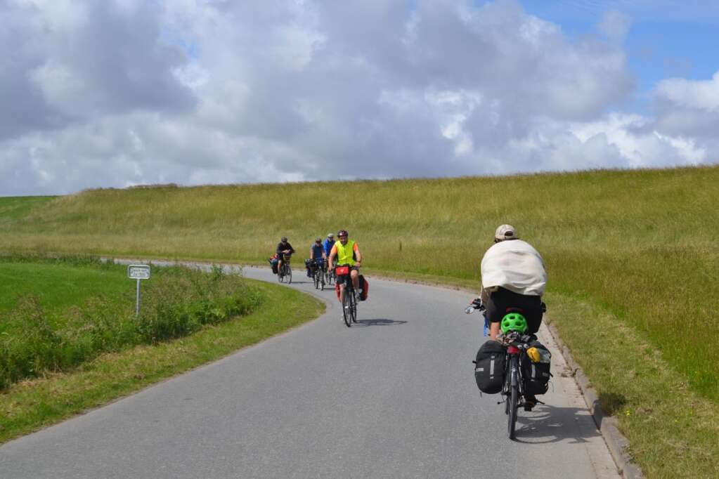 Meeting other bike tourers along the dikes of Holland.