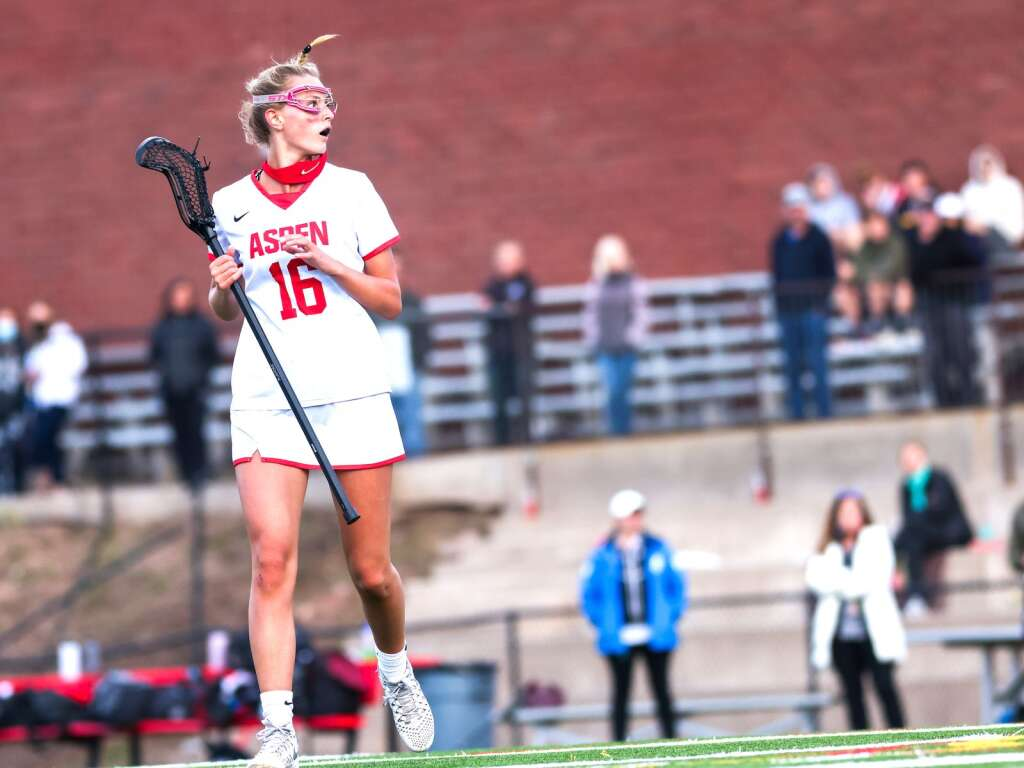 Aspen High School girls lacrosse player Lindsey Heinecken plays against Battle Mountain on Wednesday, May 12, 2021, on the AHS turf. The Skiers won, 8-6. Photo by Austin Colbert/The Aspen Times.