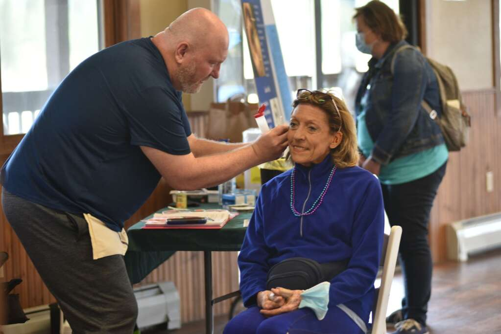 Grand County Public Health's Tekoa Shalom offered free ear acupuncture on Sunday, Sept. 12, 2021 at Snow Mountain Ranch as part of the first You Are Not Alone suicide prevention and awareness event. | McKenna Harford / mharford@skyhinews.com