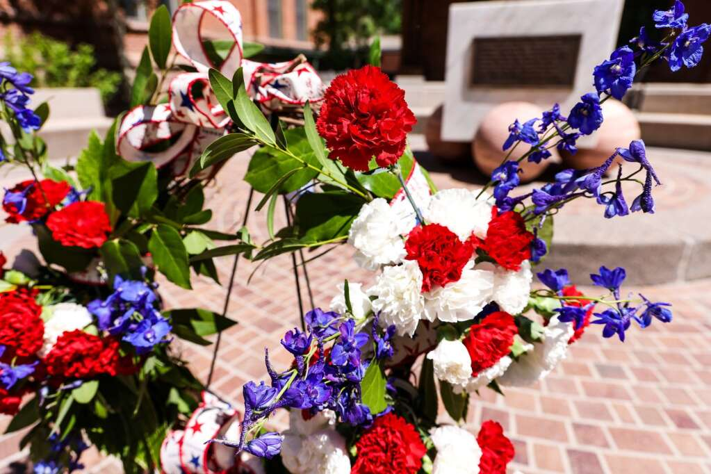 A wreath is displayed during the annual Memorial Day ceremony on Monday, May 31, 2021, at Pitkin County Veterans Memorial Park in Aspen. Photo by Austin Colbert/The Aspen Times.