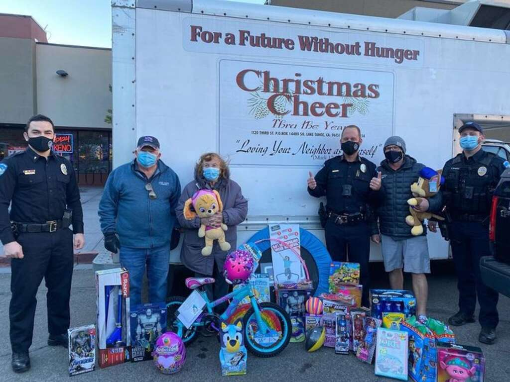 SLTPD donated $600 worth of gifts to Christmas Cheer