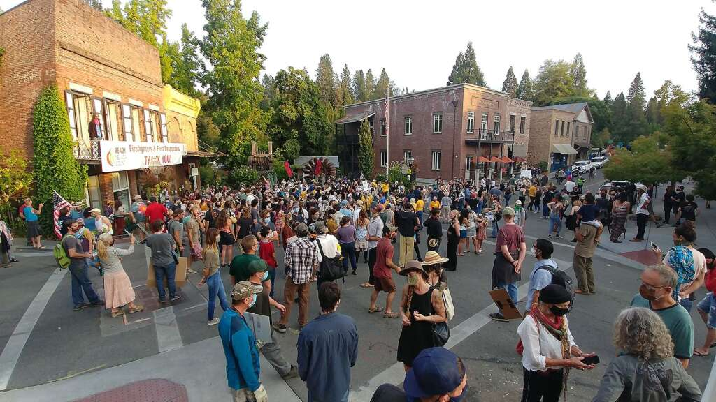 Hundreds of community members showed up to Robinson Plaza in Nevada City for Saturday evening's vigil to honor black lives lost. | Photo: Elias Funez