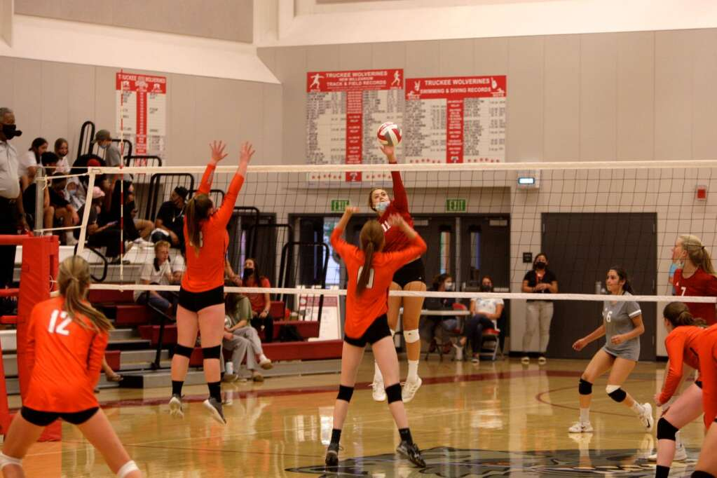 Truckee sophomore Isabel Smart looks for a kill against Fernley on Wednesday. | Justin Scacco / jscacco@sierrasun.com