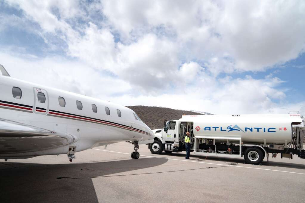 An Atlantic Aviation fuel tanker sets up at Aspen-Pitkin County Airport. The fixed-based rolled out sustainable aviation fuel in April in Aspen. | Jordan Curet