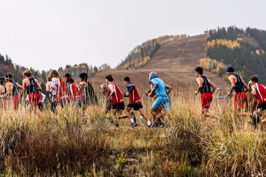 Runners compete in the varsity boys high school cross country race of the Chris Severy Invitational on Saturday, Oct. 9, 2021, near Aspen High School. Photo by Austin Colbert/The Aspen Times.