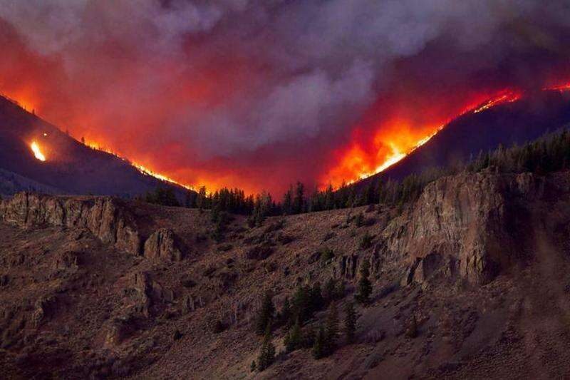 The East Troublesome Fire is seen from Cottonwood Pass looking north on Oct. 21 as the fire ripped across Grand County.|Courtesy Andrew Lussie / US Forest Service