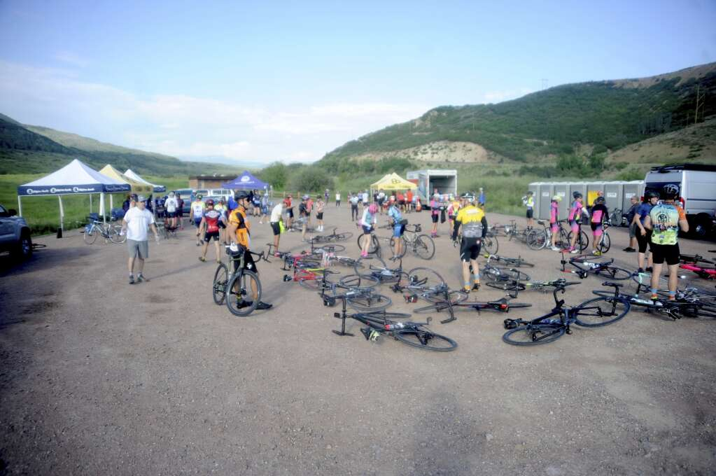800 cyclists stop at the Stagecoach aid station as part of the Tour de Steamboat Springs on Saturday. (Photo by Shelby Reardon)