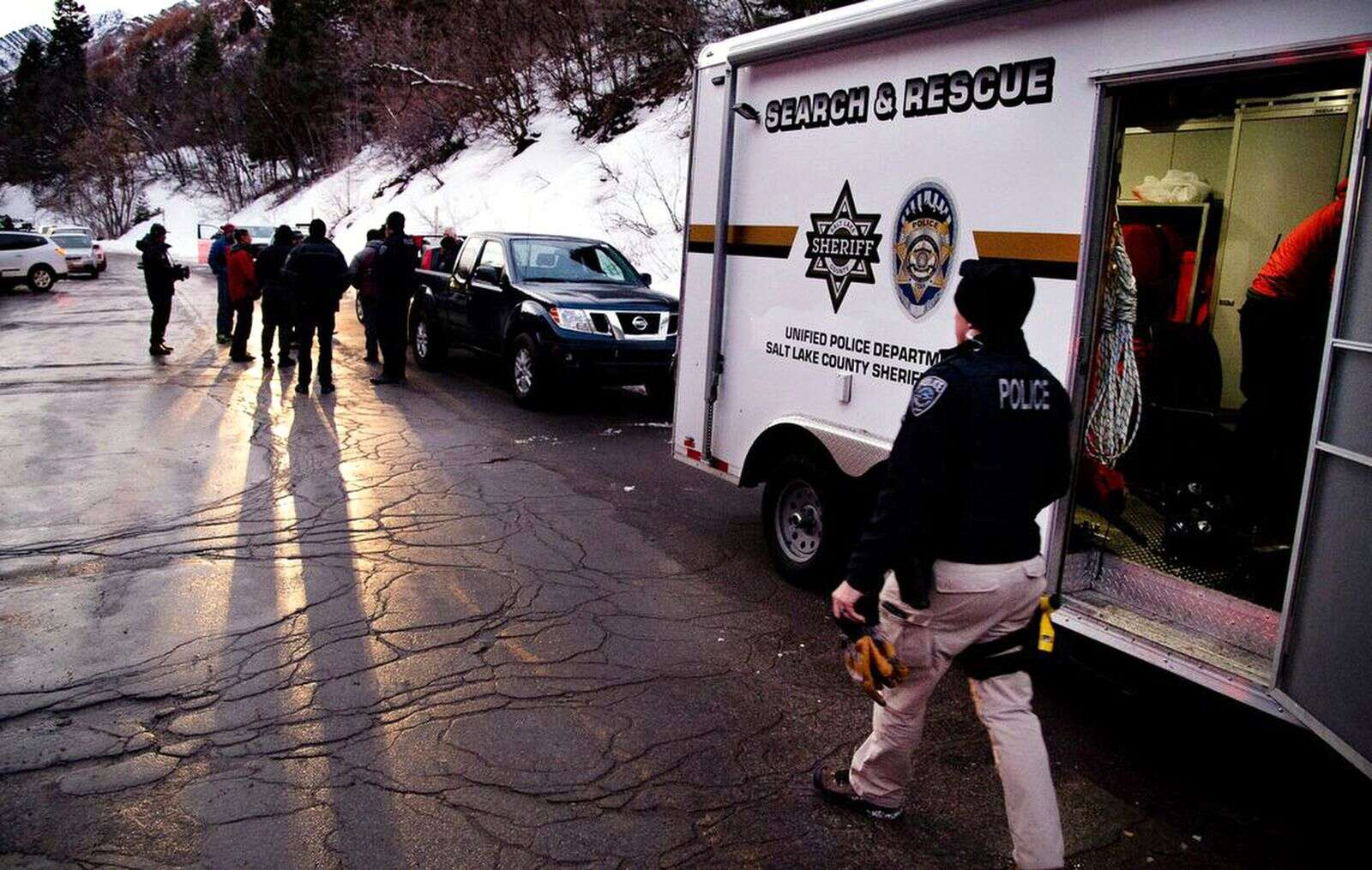 Utah police: Avalanche killed 4 local backcountry skiers near Salt Lake City
