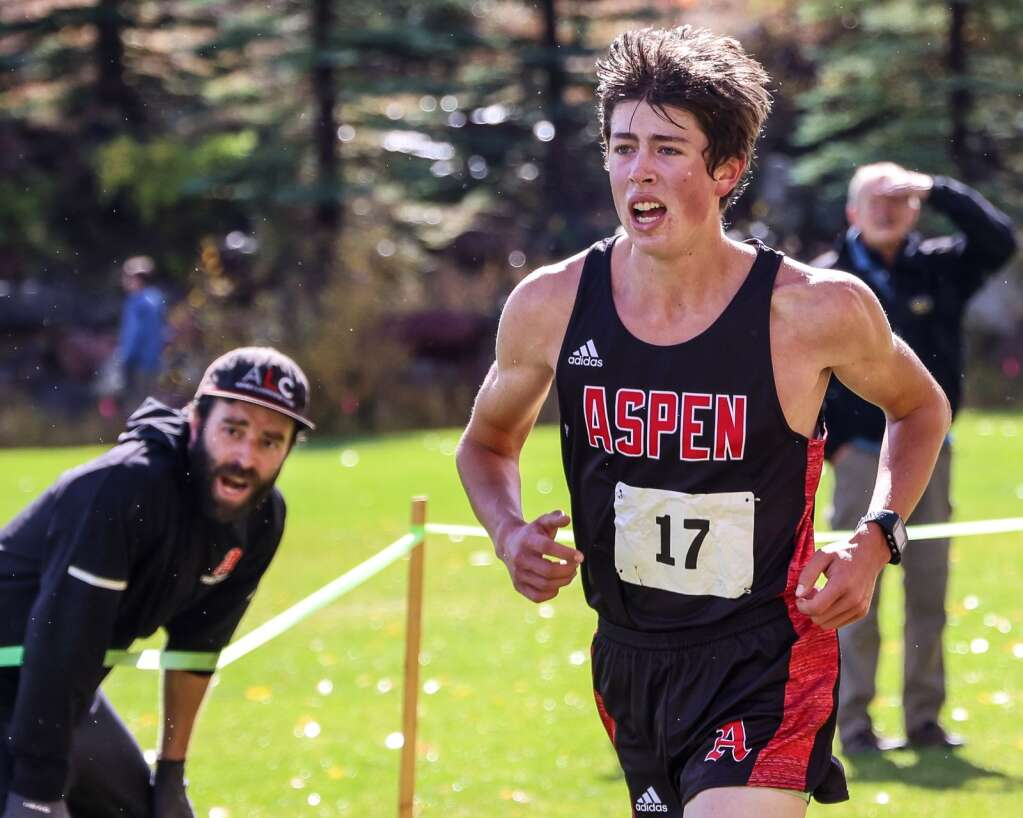 Aspen senior Anders Weiss competes in the varsity boys high school cross country race of the Chris Severy Invitational on Saturday, Oct. 9, 2021, near Aspen High School. Weiss won the race in 19:56.2. Photo by Austin Colbert/The Aspen Times.