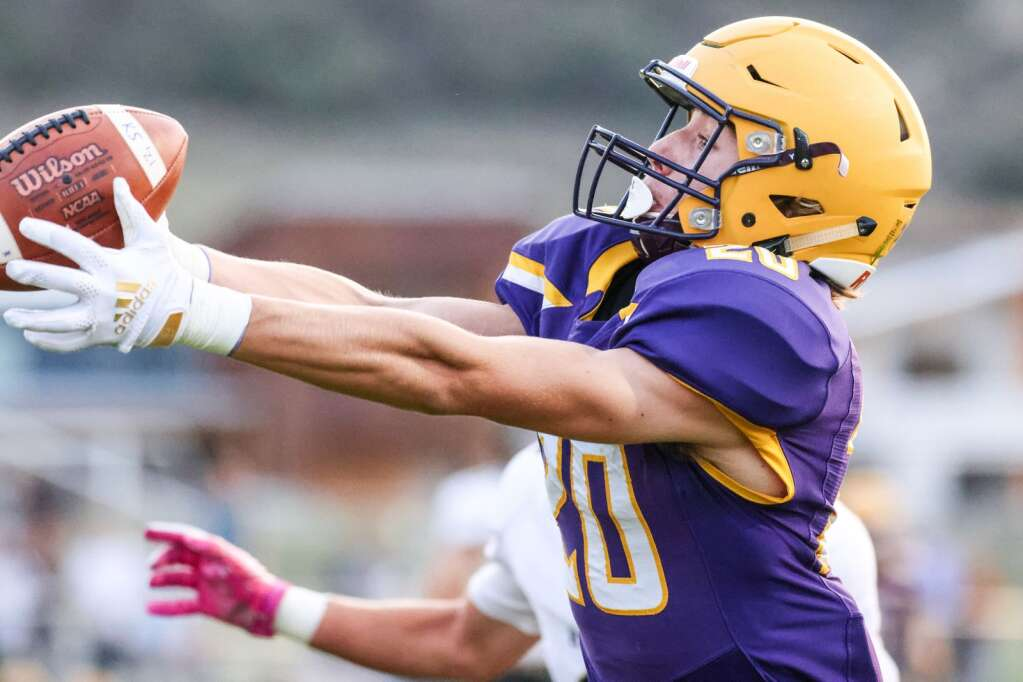Basalt High School's Dylan Madden makes a touchdown catch early on against Battle Mountain on Thursday, Sept. 2, 2021, on the BHS field. | Photo by Austin Colbert/The Aspen Times