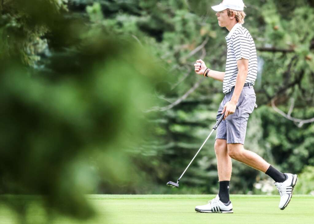 Aspen High School golfer Lucas Lee competes in the Skiers' home tournament on Monday, Aug. 16, 2021, at Aspen Golf Club. Photo by Austin Colbert/The Aspen Times.