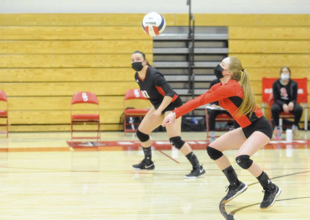 Reese Leonard digs a serve during a game against Aspen on Thursday night. (Photo by Shelby Reardon)
