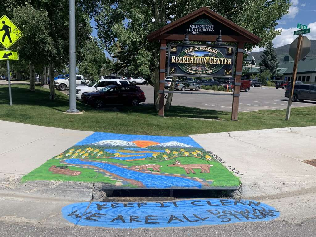 A storm drain mural painted by Nicholas Faessen is pictured Thursday, July 22, in Silverthorne. | Photo by Lindsey Toomer / ltoomer@summitdaily.com