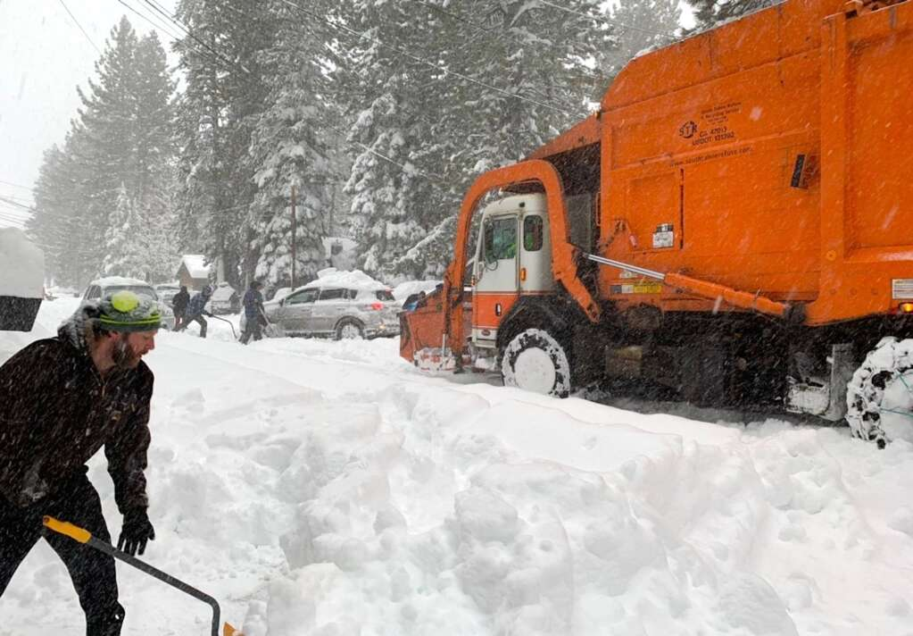 South Tahoe residents were busy digging out Thursday morning. South Tahoe Refuse started garbage collection Thursday morning before conditions got to difficult and they canceled service for the day. <em id=