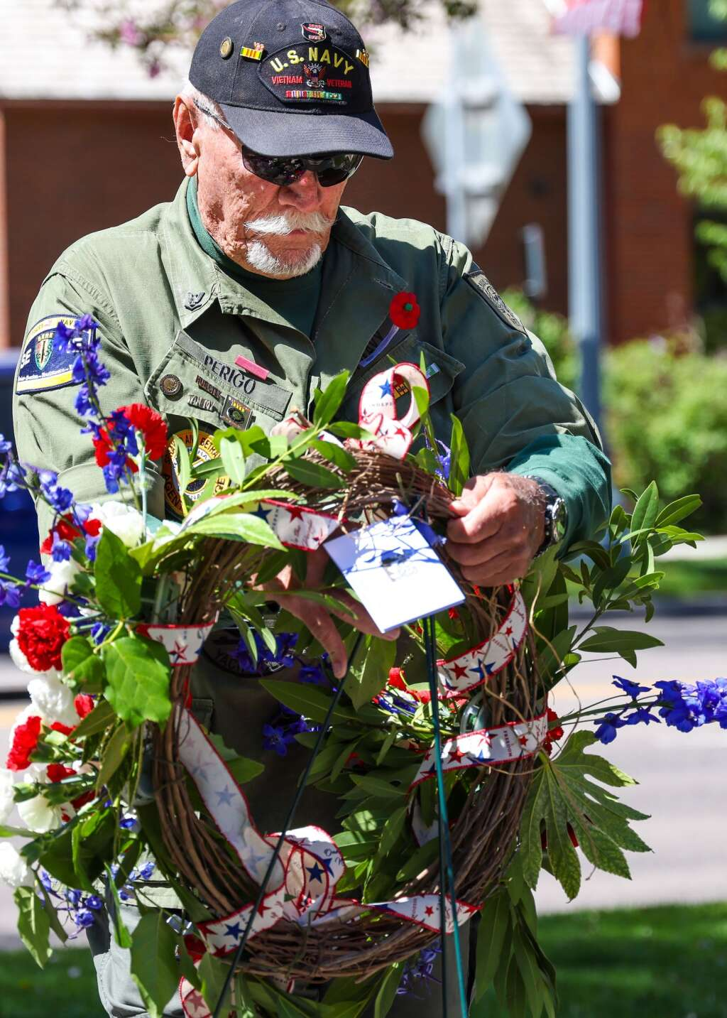 Gunny Perigo brings in the wreath to start the annual Memorial Day ceremony on Monday, May 31, 2021, at Pitkin County Veterans Memorial Park in Aspen. Photo by Austin Colbert/The Aspen Times.