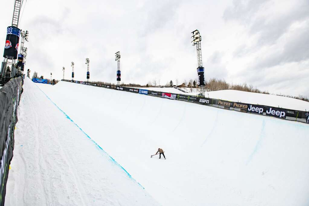 Andrew Erath grooms the superpipe before the women's and men's ski finals begin for the 2021 X Games Aspen at Buttermilk on Friday, Jan. 29, 2021.(Kelsey Brunner/The Aspen Times)
