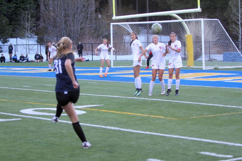 South Tahoe freshman Olivia Hall scored on this free kick in the second half. <em id=