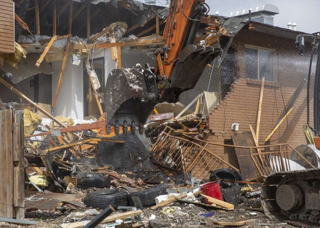 The Kimball Art Center building along Kearns Boulevard is demolished on Tuesday, one of the last structures to be cleared from the property in preparation for City Hall's proposed arts and culture district. (Tanzi Propst/Park Record)