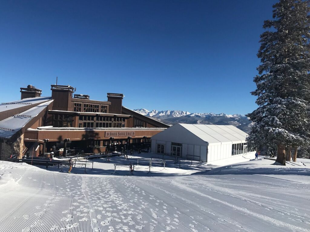 The Slopes Are Open At Both Vail And Beaver Creek With New Reservation Systems In Place For Lift Access And On Mountain Dining Vaildaily Com