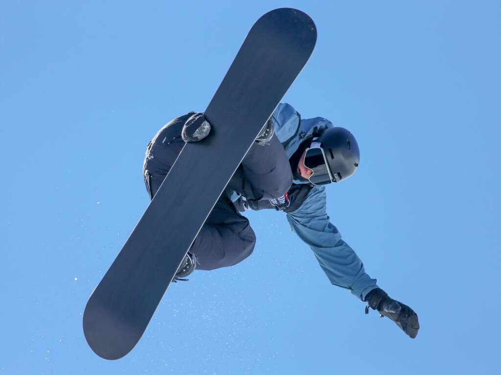 Joshua Bowman competes in the men's snowboard halfpipe contest at the U.S. Revolution Tour stop on Thursday, Feb. 25, 2021, at Buttermilk Ski Area. Photo by Austin Colbert/The Aspen Times.